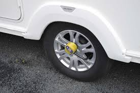 CARAVAN PROTECTOR ALLOY WHEEL LOCK